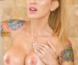 Tattooed blonde mom Sarah Jessie flaunting big boobs in shower