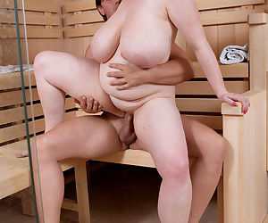 Fat mom Anna Beck fucks her man after they get horny in the sauna