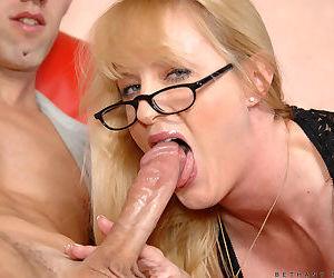 Mature mom sucks son then fucks like a whore in crazy home hardcore