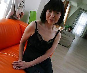 Close up undressing scene features Asian mature Mitsuyo Morita