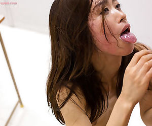 Japanese hottie delivers a killer head after having sex in cowgirl position