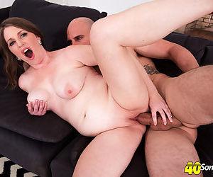 Cheating older housewife Kandi Jones bangs her daytime lovers big dick
