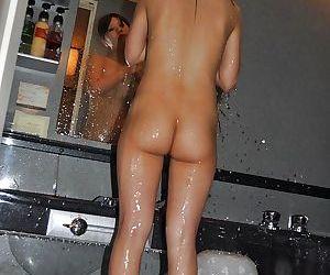 Chippy asian MILF with unshaven gash Yoko Okada taking bath