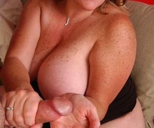 Mature fat chick Deedra eating cum out of hand after jerking cock