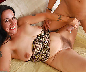 European amateur babe Nina Swiss gets her hairy twat nailed and muff creamed