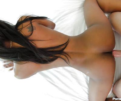 Slender black-skinned beauty Nadia Jay shows her blowjob skill