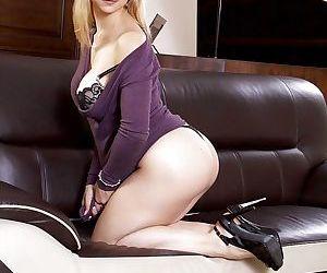 Cute blonde mom Sarah Vandella posing for non nude pics in purple dress