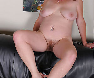 BBW amateur Argentina pleases her guys cock with her bare feet