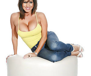Curvy mom Tara Holiday sliding denim jeans down sexy legs and exposing tits