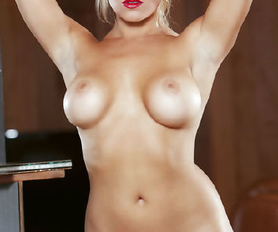 Busty beauty with sexy glasses amazes with her staggering and exclusive solo show