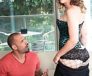 Aged lady Babe Morgan seduces a younger guy while showing him a house for sale