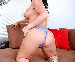 Mature brunette rides a young studs big hard cock - part 2727