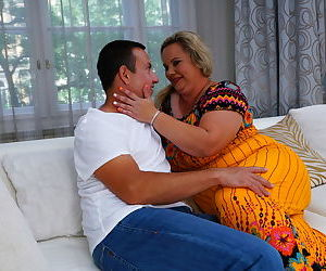 Naughty bbw summer fooling around with her toyboy - part 1937