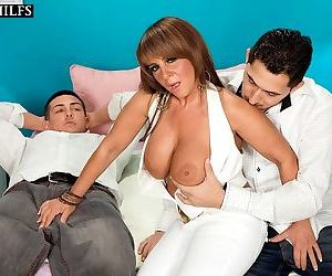 Hot mature cassidy double fucked in her ass - part 2606