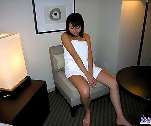 Japanese idol shiho shows off sweet tits and pussy - part 3673