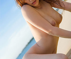 Japanese girl at the beach - part 3542