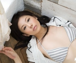 Lovely asian idol takami hou shows off her titties - part 667