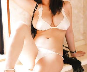 Busty japanese girlfriends exposed gallery - part 557