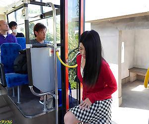 Yoshijuku woman that has been the prey of molester bus gedo us - part 3956