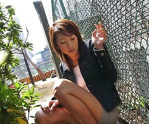 Japanese office babe jyuri kanoh poses showing ass - part 3806