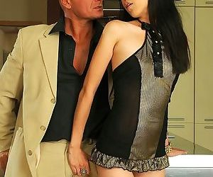 Asian slut yiki gets raw anal fucked - part 3398
