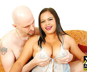 Chunky asian girl nid sucks cock and gets fucked by white guy - part 4698