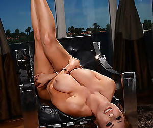 Kianna dior looks so hot lying there with her cooch exposed, that sunny cant st - part 3336