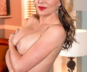 Sexy european matre woman posing in red hig heels - part 2303