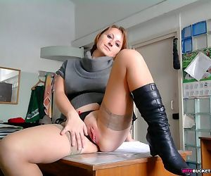 Nude pics from a real milf - part 2514