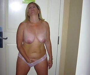 Chubby mature women - part 2576
