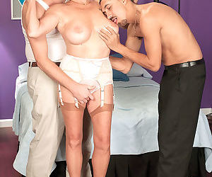 Mature bea cumminss threeway fantasy cums true - part 3189