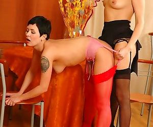 Girl kissing mature in lesbian sex action - part 2457