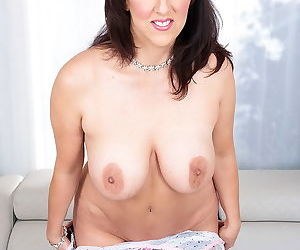 Missy masters shows her perfect natural boobs - part 2839