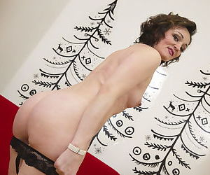 Naughty housewife playing with her wet pussy - part 375