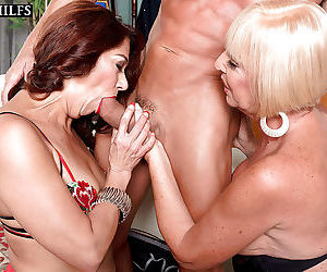 Older lady renee black and girlfriend give double blowjob in ora - part 2299