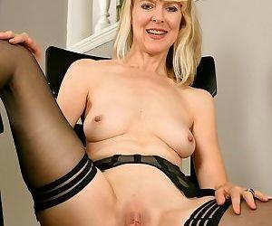Jamie foster longlegged milf blonde in black stockings - part 9