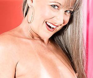 Beauty smal tits mlf leilani lei - part 20
