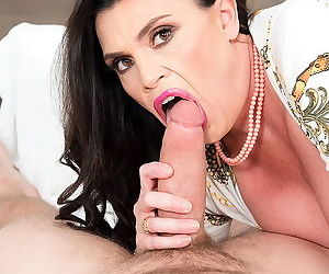 Tabby tender is a busty mature lady got fucked