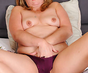 Blonde mature catrina costa spends time in bed - part 16