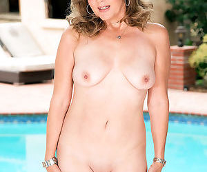 Busty micky lynn got stripping - part 20