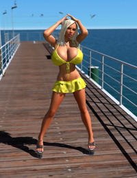 Busty 3d blonde babe shows her huge boobs under bikini outdoors - part 472