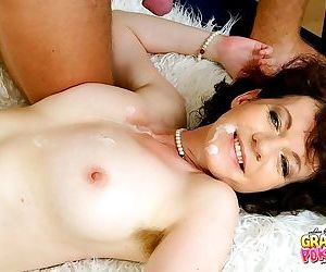 Juicy pussy ready for some hard fucking - part 3005