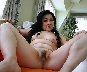 Amateur grannies naked and fucking - part 1713