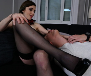 Mature housewife cheats on her husband with the horny boy next door