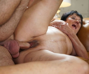 BBW granny with natural tits Hettie gets fucked by Rob on the couch