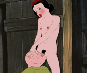 Gif- Snow White and Dopey
