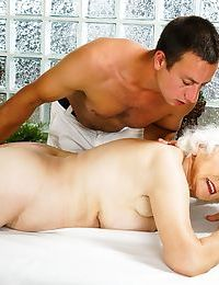 Rob received norma on his massage table. shes in heaven! - part 174