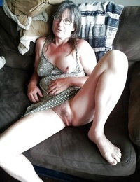 Granny with saggy tits - part 2186